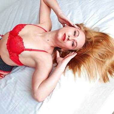 BlondeJasemine