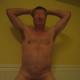 Hombre maduro discreto y
